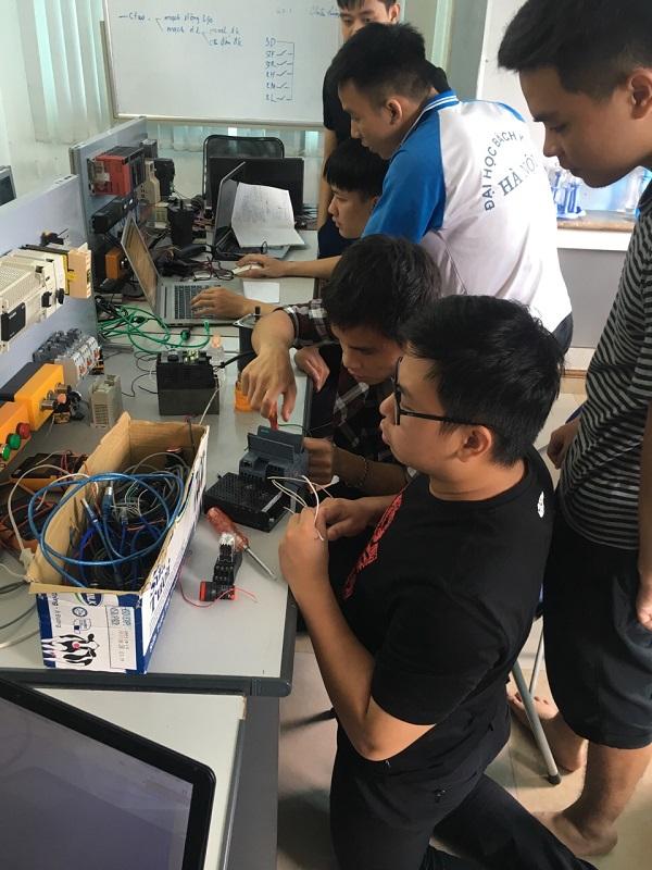 Học lập trình PLC Siemens cho người mới bắt đầu