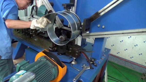 sửa máy cuốn ống gió xoắn tròn