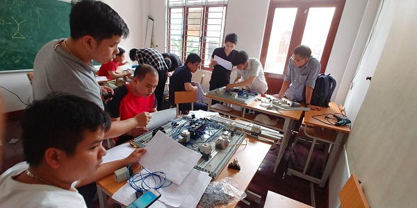 Học điện công nghiệp tại PLCTech
