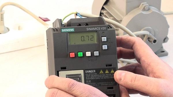 Lắp đặt biến tần uy tín | Trung tâm tự động hóa PLCTech