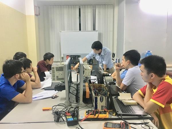 Học lập trình PLC tại PLCTech