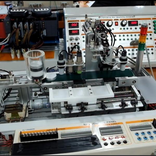 Bộ thí nghiệm phân loại sản phẩm tự động sử dụng lập trình PLC